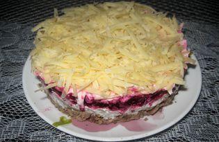 Салат с куриной печенью, свеклой и сыром (пошаговый фото рецепт)