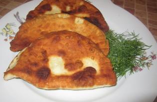 Чебуреки на дрожжевом тесте с сыром (пошаговый фото рецепт)