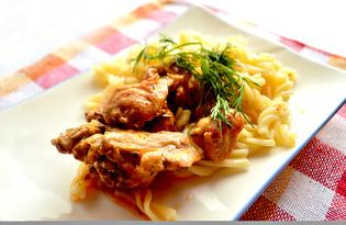 Куриные кусочки, тушеные с чесноком и зеленью (пошаговый фото рецепт)