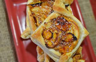 Слойки с яблоками и персиками (пошаговый фото рецепт)