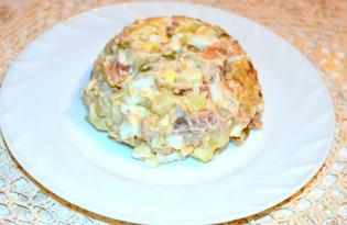 Салат с рыбной консервой и яйцами (пошаговый фото рецепт)