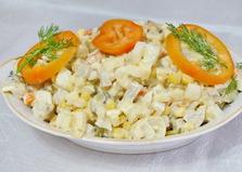 Салат Оливье с кукурузой и яблоком (пошаговый фото рецепт)