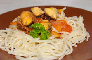 Спагетти с мидиями (пошаговый фото рецепт)