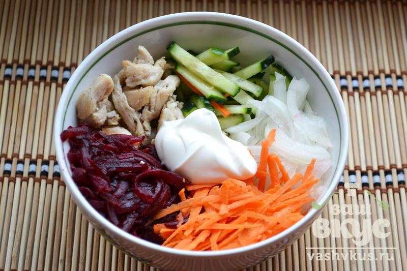 Салат из свеклы и курицы