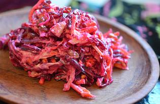 Салат со свеклой, сыром и изюмом (пошаговый фото рецепт)