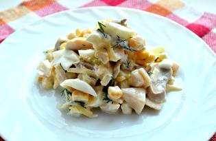 Салат с консервированным кальмаром и яйцом (пошаговый фото рецепт)