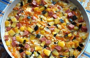 Овощная запеканка с копченой колбасой на сковороде (пошаговый фото рецепт)