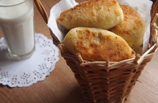 Жареные пирожки с картофелем, луком и сыром (пошаговый фото рецепт)
