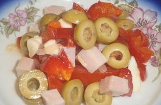 Салат с ветчиной, болгарским перцем и сулугуни (пошаговый фото рецепт)