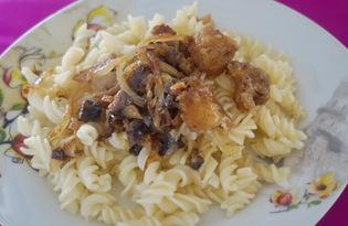 Макароны с луком и кусочками мяса (пошаговый фото рецепт)