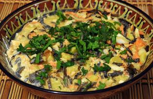 Салат из морской капусты с овощами и яйцами (пошаговый фото рецепт)