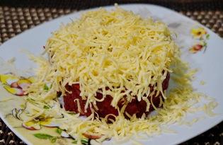 Салат из свеклы, сыра и маринованных огурцов (пошаговый фото рецепт)