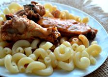 Курица в томатном соусе с макаронами (пошаговый фото рецепт)