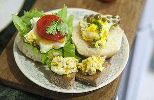 Ассорти бутербродов с яйцом (пошаговый фото рецепт)