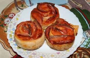 Розочки из слоеного теста с колбасой (пошаговый фото рецепт)
