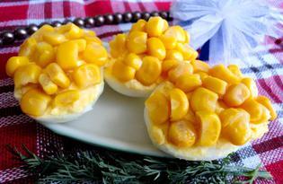 Яйца, фаршированные курицей и кукурузой (пошаговый фото рецепт)
