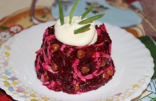 Салат из свеклы, соленого огурца, сыра и горошка (пошаговый фото рецепт)