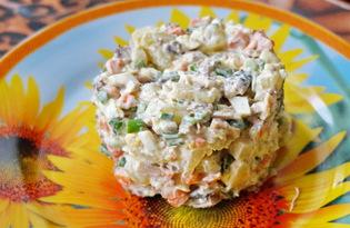 Салат со шпротами и яйцом (пошаговый фото рецепт)