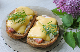 Горячие бутерброды с ветчиной, сыром и майонезом (пошаговый фото рецепт)