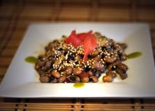 Горячий салат из фасоли по- восточному (пошаговый фото рецепт)
