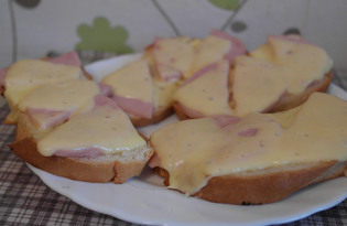 Горячий бутерброд на сковороде (пошаговый фото рецепт)