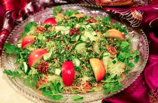 """Салат с зеленой редькой и огурцом """"Праздничный"""" (пошаговый фото рецепт)"""