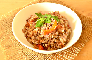 Гречневая каша с красным болгарским перцем и шкварками (пошаговый фото рецепт)