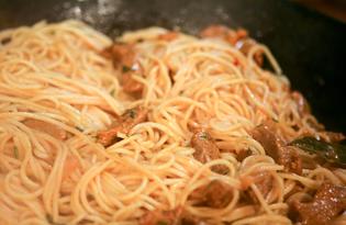 Гуляш со спагетти (пошаговый фото рецепт)
