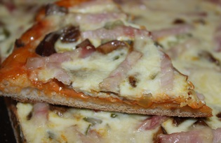 Пицца с беконом (пошаговый фото рецепт)