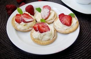 Десерт с клубникой и сливками (пошаговый фото рецепт)