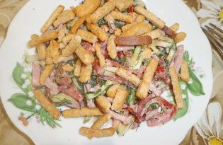 Салат из колбасы, овощей и сухариков (пошаговый фото рецепт)
