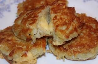 Драники с сырной начинкой (пошаговый фото рецепт)