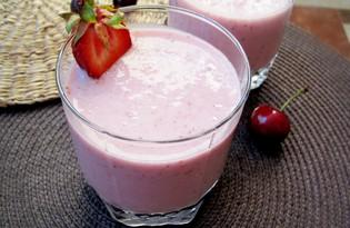 Молочно - клубничный коктейль (пошаговый фото рецепт)