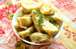Вареники с начинкой из картофеля и куриной грудки (пошаговый фото рецепт)