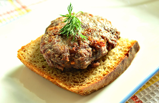Котлеты из говядины и свинины с луком (пошаговый фото рецепт)