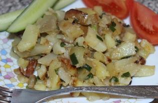 Жареный картофель с репчатым и зеленым луком (пошаговый фото рецепт)
