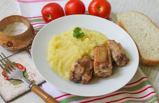 Картофельное пюре с тушеными свиными ребрышками (пошаговый фото рецепт)