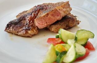 Стейк из свинины на сковороде (пошаговый фото рецепт)