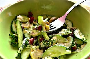 Огуречный салат с маринованными шампиньонами и красной фасолью (пошаговый фото рецепт)