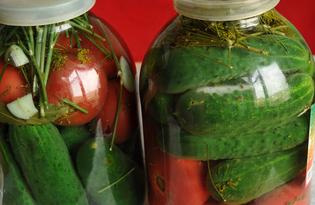Домашний засол ассорти из помидоров и огурцов (пошаговый фото рецепт)
