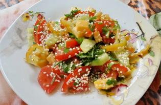 Салат с овощами, сыром и кунжутом (пошаговый фото рецепт)