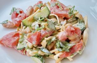 Салат из фасоли, овощей с сулугуни (пошаговый фото рецепт)