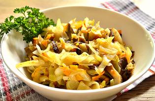 Тушеная капуста с грибами на сковороде (пошаговый фото рецепт)