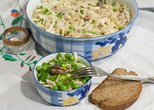 Салат с капустой, сайрой и горошком (пошаговый фото рецепт)