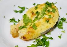 Красная рыба запеченная в сливочном соусе бешамель (пошаговый фото рецепт)
