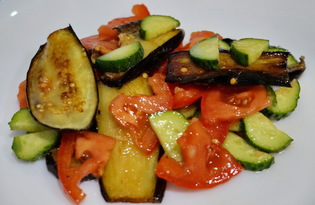 Салат из огурцов, помидоров и баклажанов (пошаговый фото рецепт)