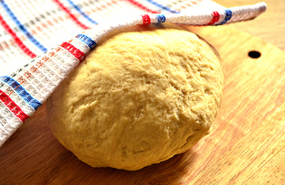 Дрожжевое тесто на молоке и растительном масле (пошаговый фото рецепт)