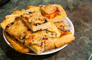 Пицца с салями и шампиньонами (пошаговый фото рецепт)