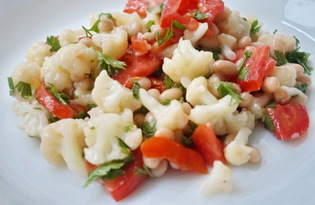Салат из цветной капусты и фасоли (пошаговый фото рецепт)