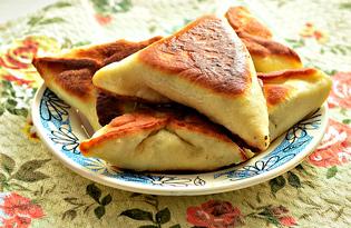 Пирожки с мясным фаршем на сковороде (пошаговый фото рецепт)